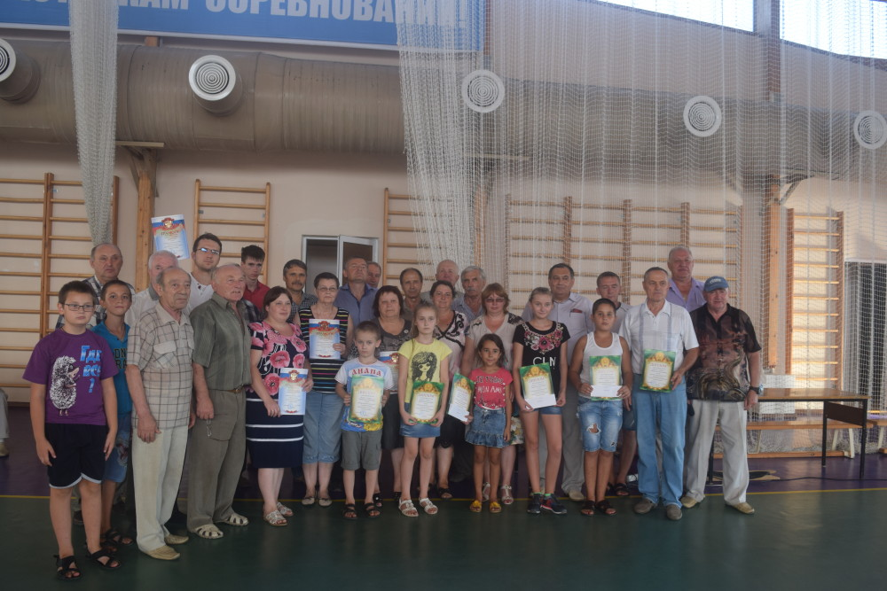 Аношкин7-2 место-и аксайские дети-призёры турнира в Кашарах.jpg